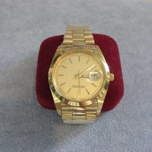T&J Classic Gold Link Watch! New